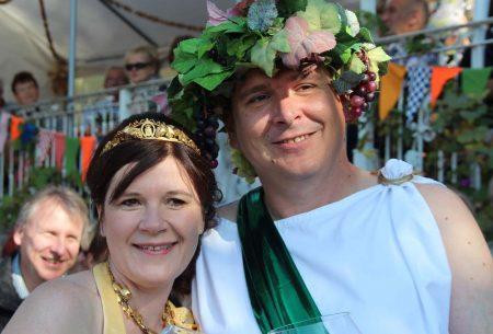 Bacchus und Sächsische Weinkönigin auf der Meile