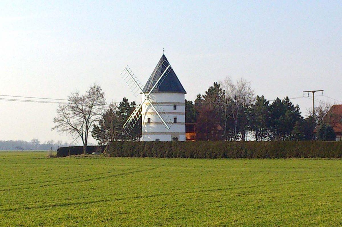 Windmühle Schänitz & Mühlenradweg
